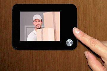 Spioncino digitale per porte blindate con registrazione in for Spioncino elettronico per porte blindate
